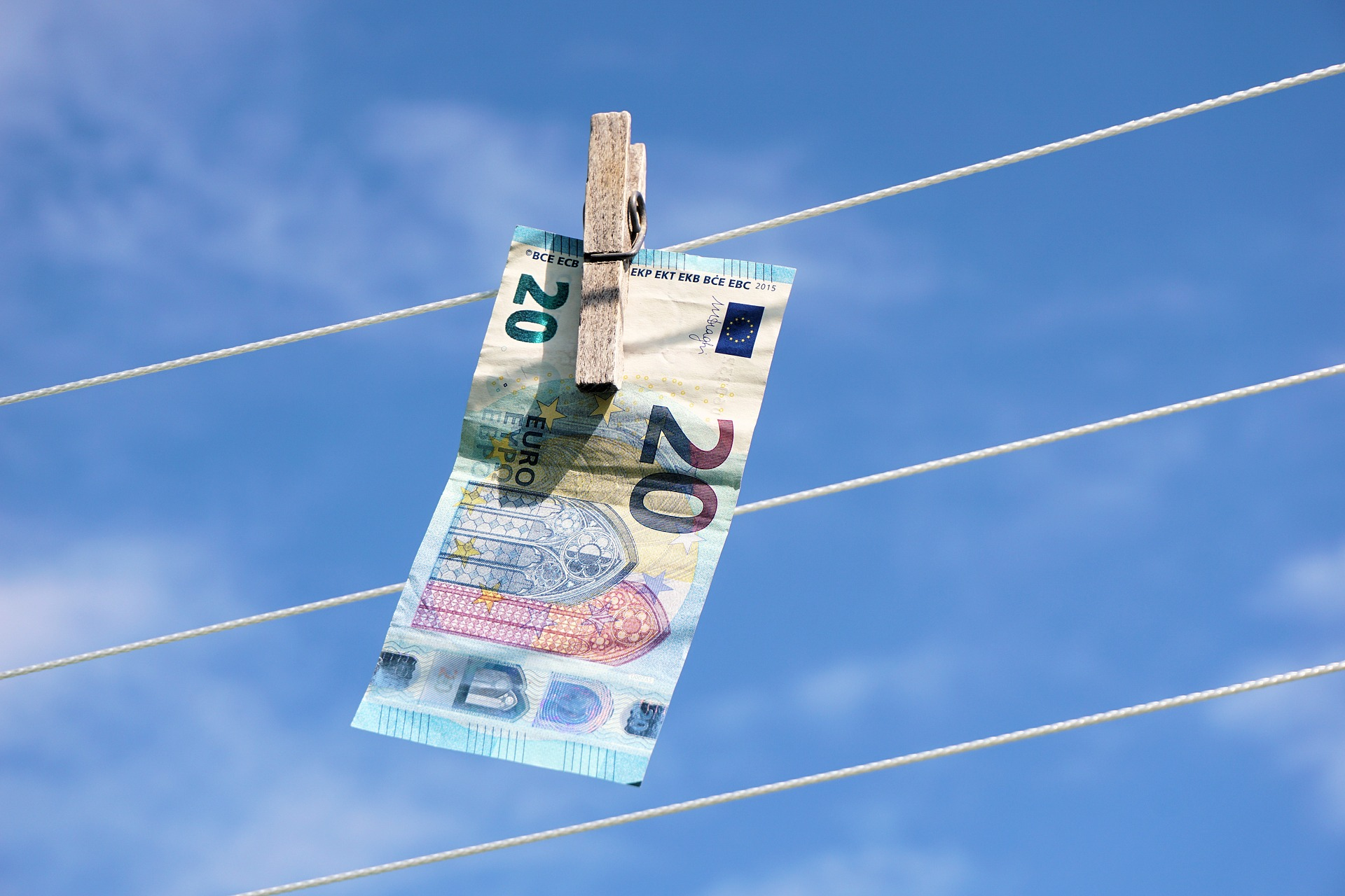 Antiriciclaggio, banconota